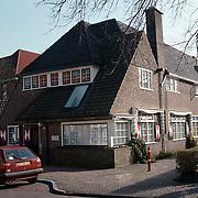 Pand praktijk tandarts Beekmans Laren Schoutenbosje 11ext., tandarts van Beatrix