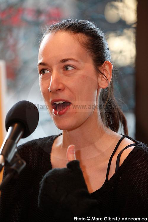 Portrait en direct de Someurland lors de l'émission radiophonique Francophonie Express  à  Bar Alice de l'hôtel Omni / Montreal / Canada / 2015-04-07, Photo © Marc Gibert / adecom.ca