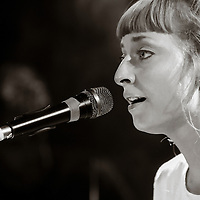 Holly Walker opens for VV Brown at Camden Barfly, London, 2013-11-21