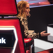 NLD/Hilversum/20180209 - 3e Liveshows The voice of Holland 2018, Anouk Teeuwe in haar coach stoel
