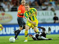 Fotball<br /> Frankrike<br /> Foto: DPPI/Digitalsport<br /> NORWAY ONLY<br /> <br /> FOOTBALL - FRENCH CHAMPIONSHIP 2009/2010 - L2 - VANNES OC v FC NANTES - 18/08/2009<br /> <br /> DAVID DE FREITAS (FCN) / BIAGUI KAMISSOKO (VOC)
