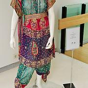 NLD/Amsterdam/20100512 - Opening expositie songfestivaljurken getiteld 'May we have your dress please?! , jurk van Harmony