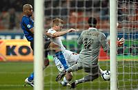 """Il gol di John Arne Riise (Roma)<br /> Milano 1/3/2008 Stadio """"Giuseppe Meazza"""" <br /> Campionato Italiano Serie A 2008/2009<br /> Inter Roma (3-3)<br /> Foto Andrea Staccioli Insidefoto"""