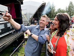 Boogie from Radio Forth takes selfie with fans at Party At The Palace Music Festival in Linlithgow Palace grounds on Sat 11th August 2018.<br /> <br /> <br /> Alan Rennie/ EEm