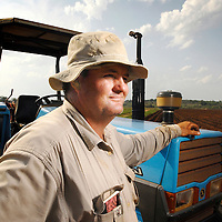 """Vanduzi, Manica province, Mozambique (next to the border of Zimbabwe) <br /> 21 November 2007<br /> Kevin Gifford, 37 years old, was given 6 hours in a March 2002 day to leave the 2000 ha farm owned by his family since the late 19th century.<br /> He's the last of a group of 37 farmers who settled in this part of Mozambique after Mugabe started his land reform. He explained to the journalist why he refuses to hire any of the thousands of Zimbabweans that cross the border to look for a job in Mozambique:"""" Whoever didn't adopt an attitude to save the country, must pay for that. If somebody only stays to see what happens, scared of saying """"stop, this also is my life"""", then this person must live with that. Because I defended what I believed in, which was not only a personal question, but a national preoccupation, the one about maintaining Zimbabwe as a productive country, I paid the price: that was to see my house looted and to be expulsed from my farm without any compensation. This is the reason why I don't have feelings for a Zimbabwean that has not done anything to stop what occurred, because everybody must fight to defend what is correct. """"<br /> Photo: Ezequiel Scagnetti"""
