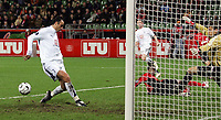 Photo: Paul Thomas.<br /> Bayer Leverkusen v Tottenham Hotspur. UEFA Cup. 23/11/2006.<br /> <br /> Dimitar Berbatov of Spurs misses an easy chance to score his second with an empty net!!