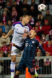 17-09-2013 VOETBAL: UEFA CL FC BAYERN MUNCHEN - CSKA MOSKOU: MUNCHEN<br /> Sergei Ignashevich (CSKA #4) im kampf mit Arjen Robben (FCB #10)<br /> ***NETHERLANDS ONLY***<br /> ©2013-FotoHoogendoorn.nl