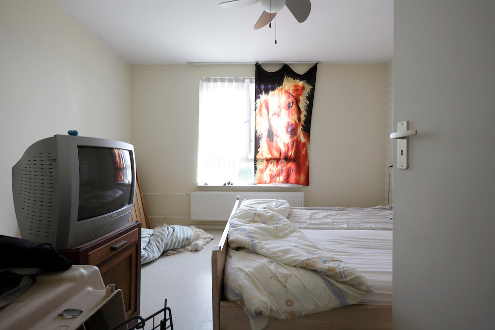 bedroom with bare walls