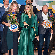 NLD/'Amsterdam/20170911 - Koningin Maxima bij uitreiking LOEY Awards , Koningin Maxima met Jouk Pleiter en Danique Wintink