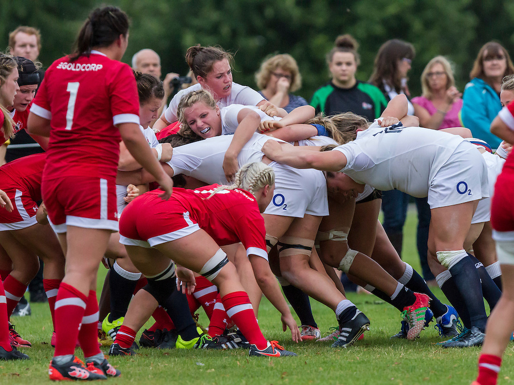 Zoe Aldcroft in a maul, U20 England Women v U20 Canada Women at Trent College, Derby Road, Long Eaton, England, on 22nd August 2016