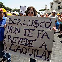 Manifestazione dei terremotati dell'Aquila