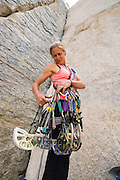 Jody Pennycook climbing Pratts Crack in Pine Creek Canyon, Bishop, California