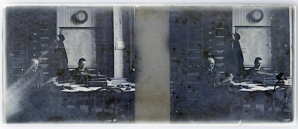 stereo 1900s image with office and people working