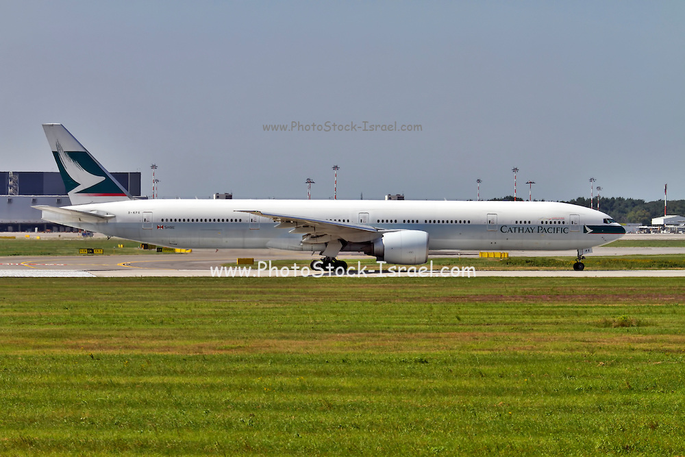 Cathay Pacific Boeing 777 at Milan - Malpensa (MXP / LIMC) Italy