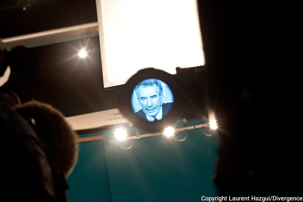 """01022012. Paris. Bayrou 2012. Conférence de presse """"Projets contre projets""""."""
