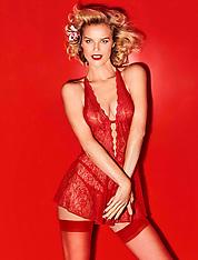 Eva Herzigova sizzles in sexy lingerie - 27 Nov 2018