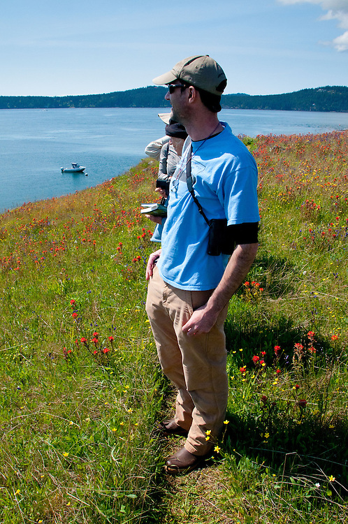 Jeff from North Cascades Institute Leads Field Seminar Visit to Yellow Island, San Juan Islands, Washington, US
