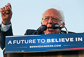Bernie Sanders Campaigns in Pomona