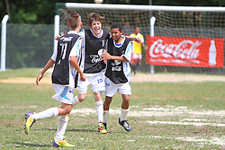 Lance da partida entre as equipes do Botafogo e Guarani, válida pela Copa Coca-Cola, no campo do Parque Floresta Imperial, em Novo Hamburgo. FOTO: Lucas Uebel/Preview.com