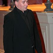 NLD/Amsterdam/20100122 - Uitvaart Edgar Vos, Paul Schulten in tranen