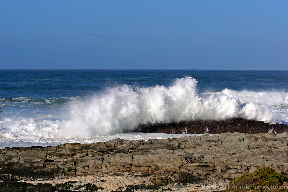 Africa, South Africa, Storms River. Waves at Storms River Mouth on the Garden Route.