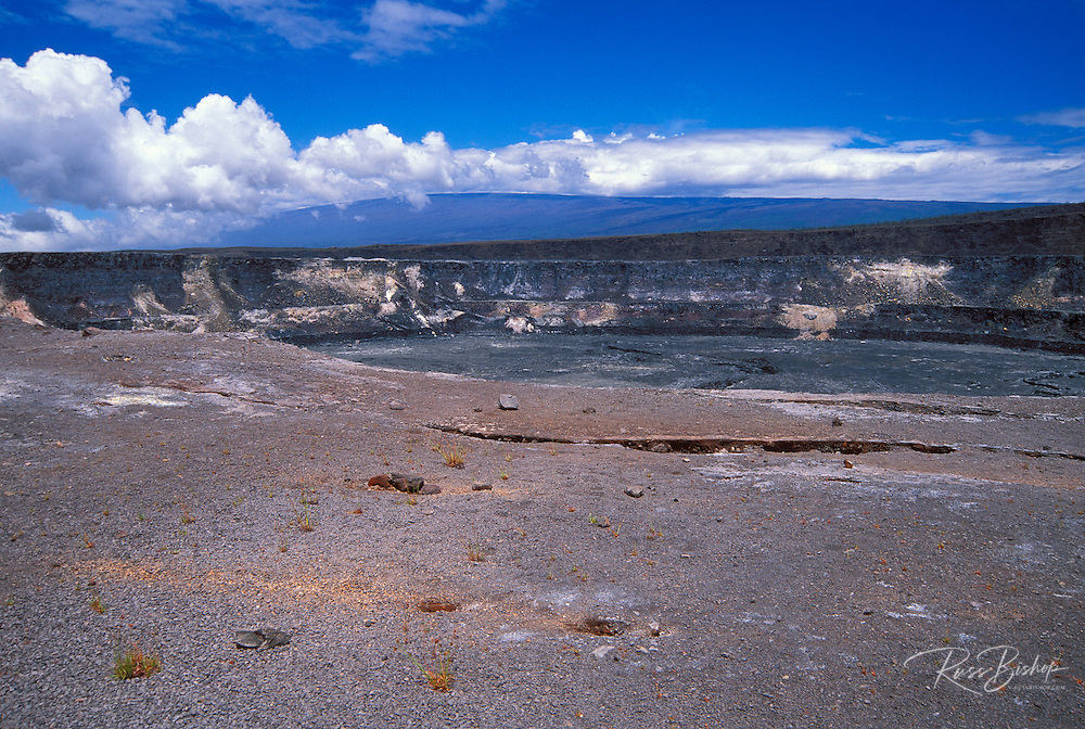 Halema'uma'u crater from the east rim (Mauna Loa in background), Hawaii Volcanoes National Park, The Big Island, Hawaii
