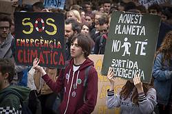 May 24, 2019 - Barcelona, Catalonia, Spain - Protesters are seen holding placards warning of climate change during the strike..Hundreds of protesters, mostly teenagers, have demonstrated in Barcelona ending the tour in front of the government palace where they have read the manifesto calling for urgent measures against climate change. The strike for the climate Fridays for future was inspired by a young teenager and Swedish activist Greta Thunberg, is seconded in almost 1,500 cities in 114 countries. (Credit Image: © Paco Freire/SOPA Images via ZUMA Wire)