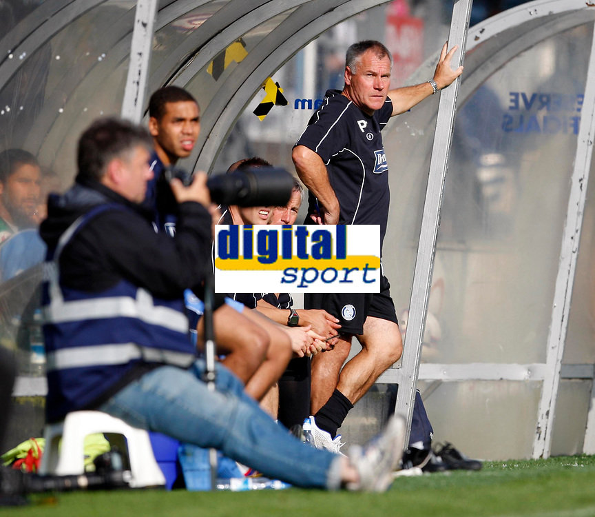Photo: Richard Lane/Richard Lane Photography. Wycombe Wanderers v Brentford. Coca Cola Fotball League Two. Wycombe manager, Peter Taylor looks on.