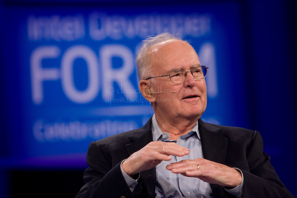 SAN FRANCISCO, CA - SEPTEMBER 18:  Gordon Moore, co-founder of Intel takes part in a fireside chat with Dr. Moria Gunn at the Intel Developer Forum at the Moscone Center September 18, 2007 in San Francisco, California.   (Photo by David Paul Morris)