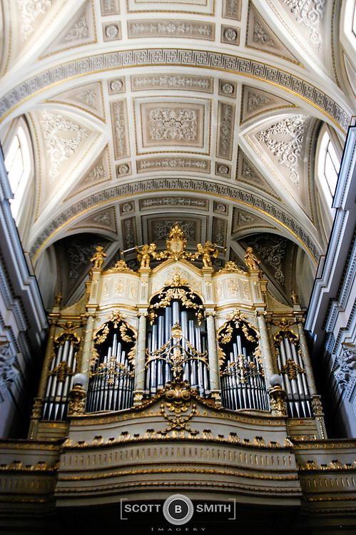 Basilica of Santa Maria del Lauro located in Meta, Italy