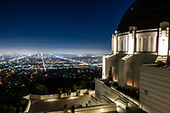 Visitors admiring the View of Los Angeles from the Griffith Observatory.