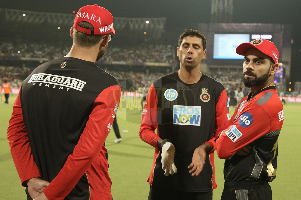 Virat Kohli,Captain of the Royal Challengers Bangalore  with supporting stuff during match three of the Vivo Indian Premier League 2018 (IPL 2018) between the Kolkata Knight Riders and the Royal Challengers Bangalore held at the Eden Gardens Cricket Stadium in Kolkata on the 8th April 2018.<br /> <br /> Photo by Saikat Das / IPL/ SPORTZPICS