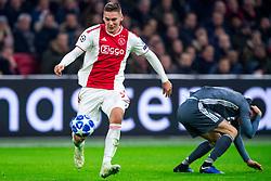 12-12-2018 NED: Champions League AFC Ajax - FC Bayern Munchen, Amsterdam<br /> Match day 6 Group E - Ajax - Bayern Munchen 3-3 / Max Wober #5 of Ajax, Robert Lewandowski #9 of Bayern Munich