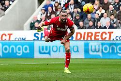 Aaron Wilbraham of Bristol City scores a goal to make it 0-1 - Rogan Thomson/JMP - 25/02/2017 - FOOTBALL - St James' Park - Newcastle, England - Newcastle United v Bristol City - Sky Bet EFL Championship.