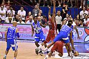 DESCRIZIONE : Milano Lega A 2014-15 EA7 Emporio Armani Milano vs Banco di Sardegna Sassari playoff Semifinale gara 7 <br /> GIOCATORE : Kenny Kadji Joe Ragland <br /> CATEGORIA : equilibrio a terra controcampo sequenza fallo<br /> SQUADRA : EA7 Emporio Armani Milano Banco di Sardegna Sassari<br /> EVENTO : PlayOff Semifinale gara 7<br /> GARA : EA7 Emporio Armani Milano vs Banco di Sardegna SassariPlayOff Semifinale Gara 7<br /> DATA : 10/06/2015 <br /> SPORT : Pallacanestro <br /> AUTORE : Agenzia Ciamillo-Castoria/GiulioCiamillo<br /> Galleria : Lega Basket A 2014-2015 Fotonotizia : Milano Lega A 2014-15 EA7 Emporio Armani Milano vs Banco di Sardegna Sassari playoff Semifinale  gara 7 Predefinita :