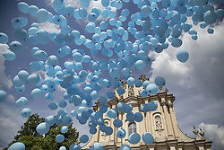 June 10, 2017 - Warsaw, Poland - Released baloons as sign of peace during The Blue Peace March in Warsaw on June 10, 2017. (Credit Image: © Maciej Luczniewski/NurPhoto via ZUMA Press)