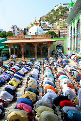 June 26, 2017 - Ajmer, Rajasthan, India - Indian Muslims offer Eid al-Fitr prayers at the dargah khwaja moinuddin chishti. Eid al-Fitr marks the end of the Islamic holy fasting month of Ramadan. (Credit Image: © Shaukat Ahmed/Pacific Press via ZUMA Wire)