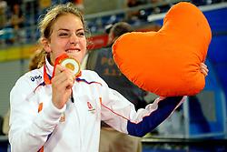 22-08-2008 HOCKEY: OLYMPISCHE SPELEN FINALE CHINA - NEDERLAND: BEIJING <br /> Nederlands dames hockey elftal Olympisch kampioen 2008 - Eva de Goede<br /> ©2008-FotoHoogendoorn.nl