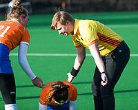 BLOEMENDAAL - scheidsrechter Jonathan Spuij.    hoofdklasse competitie dames, Bloemendaal-Nijmegen (1-1) COPYRIGHT KOEN SUYK