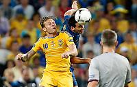 Fotball , 15. juni 2012 , Euro , Frankrike - Ukraina<br /> Andriy Voronin (UKR) und Adil Rami (FRA).<br /> Norway only