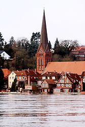 23.01.2011, Elbehochwasser, Lauenburg, GER, Elbehochwasser und aufgeweichte Deiche in Bleckede, EXPA Pictures © 2011, PhotoCredit: EXPA/ nph/  Kohring       ****** out of GER / SWE / CRO ******