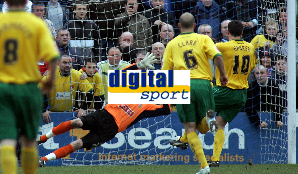 Photo: Paul Thomas.<br /> Stockport County v Hartlepool United. Coca Cola League 2. 17/03/2007.<br /> <br /> Keeper Wayne Henessey (Orange) of Stockport can't stop Richard Barker's (10) penalty.