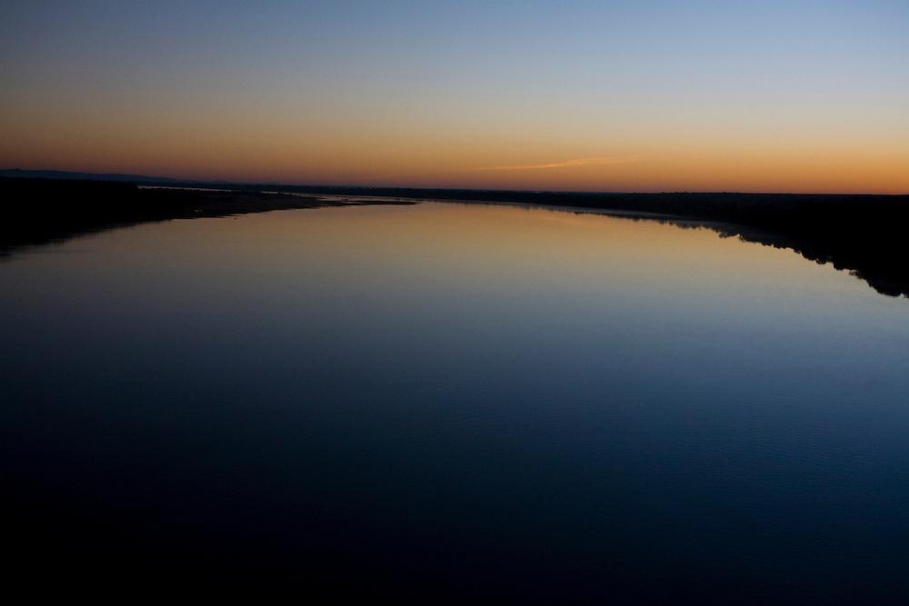 Pedras de Maria da Cruz_MG, Brasil...Rio Sao Francisco, o rio da integracao nacional. ..The Sao Francisco river, It is an important river for Brazil, called the river of national integration...Foto: LEO DRUMOND / NITRO