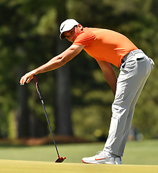 Jason Day reacts to missing his putt on the 17th green during the third round of the Masters Tournament at Augusta National Golf Club in Augusta, Ga., on Saturday, April 8, 2017. (Photo by Brant Sanderlin/Atlanta Journal-Constitution/TNS) *** Please Use Credit from Credit Field ***