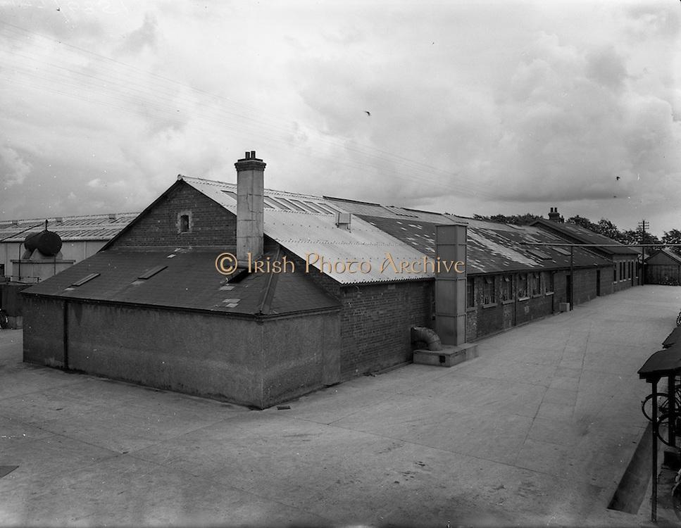 28/05/1954<br /> 05/28/1954<br /> 28 May 1954<br /> Newbridge Cutlery factory, Newbridge, Co. Kildare. Special for Domas Advertising.