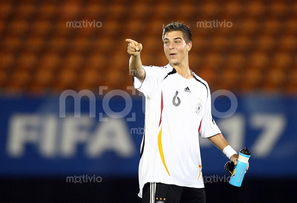 12. FIFA U17 Weltmeisterschaft in Korea Deutschland - Trinidad Tobago Germany -Trinidad and Tobago Kevin WOLZE (GER), Torschuetze des 5:0, jubelt nach Ende des Spiels.