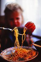 manui eating pasta