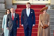 Officieel bezoek Jordanie aan Nederland - Dag 1<br /> <br /> Koning Abdullah II en koningin Rania worden tijdens de welkomstceremonie vergezeld door koning Willem-Alexander en koningin Maxima op Paleis Noordeinde.<br /> <br /> Official visit Jordan to the Netherlands - Day 1<br /> <br /> King Abdullah II and Queen Rania are accompanied during the welcome ceremony by King Willem-Alexander and Queen Maxima at Noordeinde Palace.<br /> <br /> Op de foto / On the photo: Koning Abdullah II en koningin Rania met koning Willem-Alexander en koningin Maxima   ///   King Abdullah II and Queen Rania with King Willem-Alexander and Queen Maxima