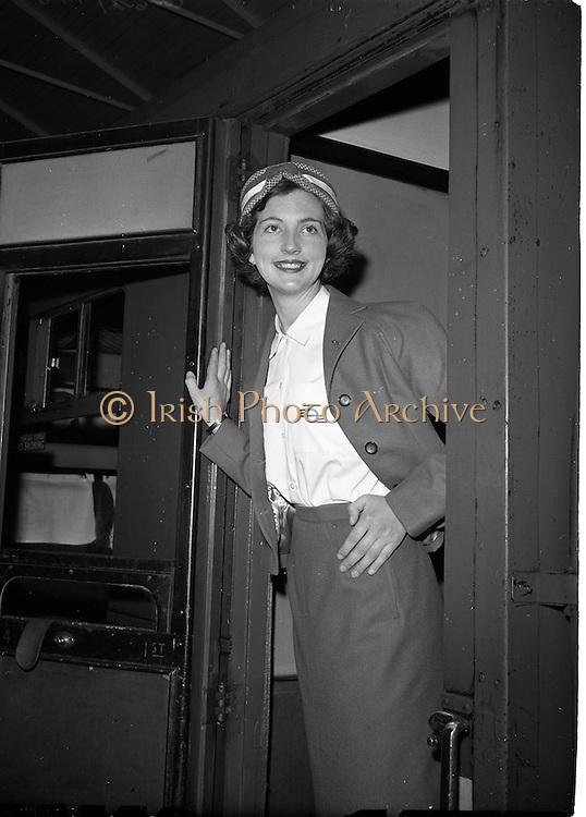 20/05/1959<br /> 05/20/1959<br /> 20 May 1959<br /> New C.I.E. Rail Rail Hostesses - Betty Vernon, (Bannagher, Co. Offaly) at Kingsbridge Station (Hueston Station), Dublin.