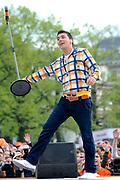 Koninginnedag 2008 - Museumplein Amsterdam STAGE.<br /> <br /> Het grootste Koninginnedag bijeenkmost op het Museumplein in Amsterdam georganiseerd door Radio 538.<br /> <br /> Op de foto:  Jan Smit geeft zijn eerste optreden sinds 8 maanden.
